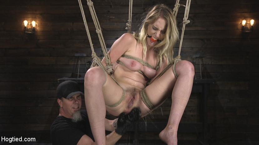 HogTied - Cadence Lux, The Pope - All Natural Cadence Lux Torment in Rope Bondage and Squirting Orgasms! (2018/HD/1.69 GB)