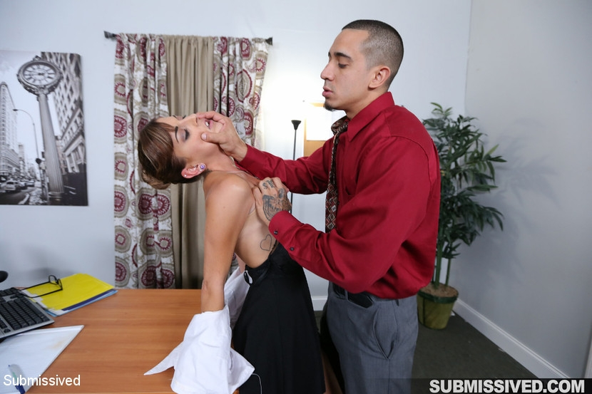Submissived - Dakota Vixin, Bruno Dickemz - Hard Fucked in the Pussy and Cum in the Mouth (2020/HD/1.11 GB)