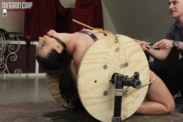 Strict Restraint - Wenona Slave - Cumming on the Spool (2020/HD/161 MB)