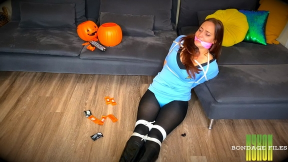 Karly Salinas - Tricked By Brats For Treats (2020/FullHD/838 MB)